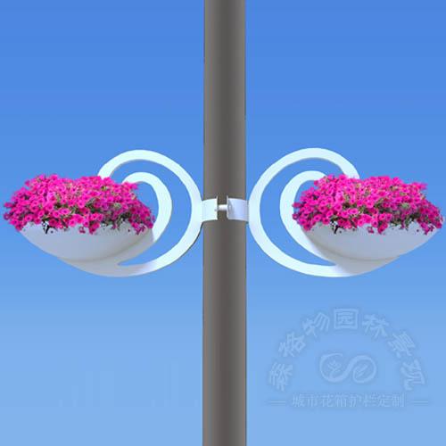 路灯杆空中装饰花盆