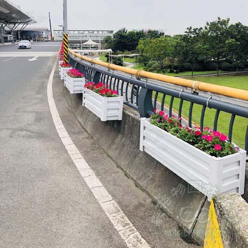 桥梁护栏PVC花箱
