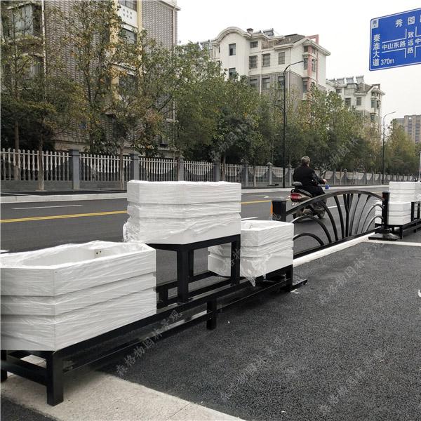 六角形护栏PVC花箱