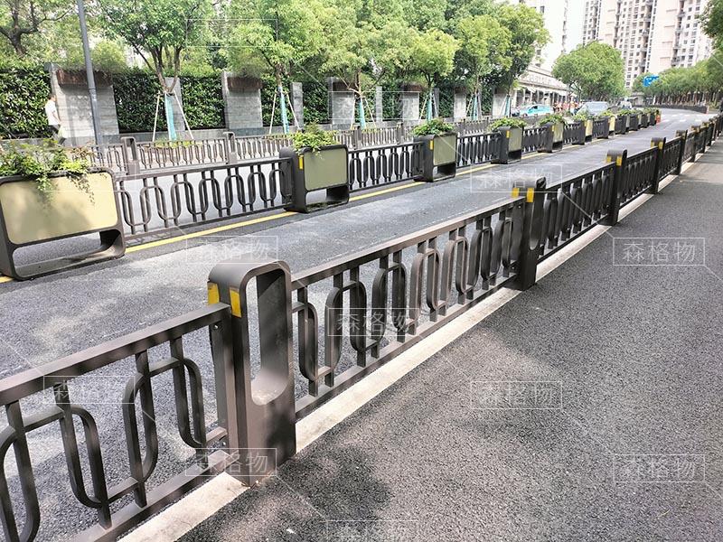 浙江余杭3.5公里花箱护栏案例