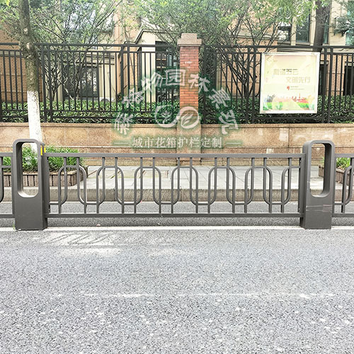 道路花箱锌钢护栏围栏