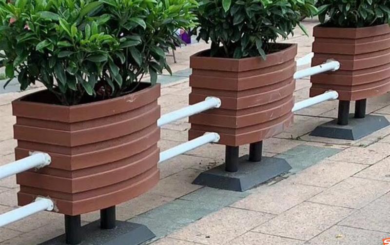 说一说塑木花箱的优点